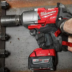 Milwaukee - Impact Wrenches & Screwdrivers